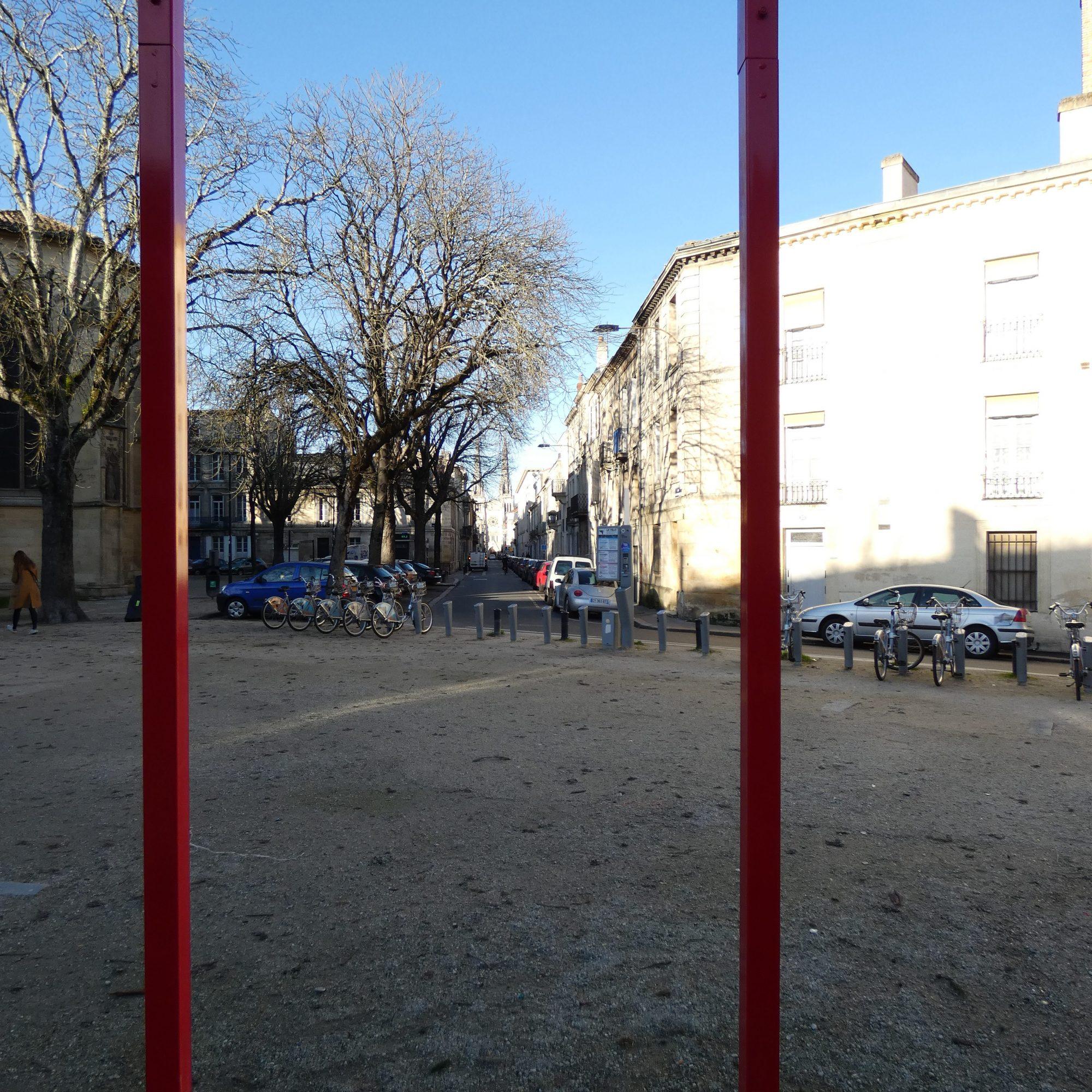 Porte circuit fil rouge à Bordeaux